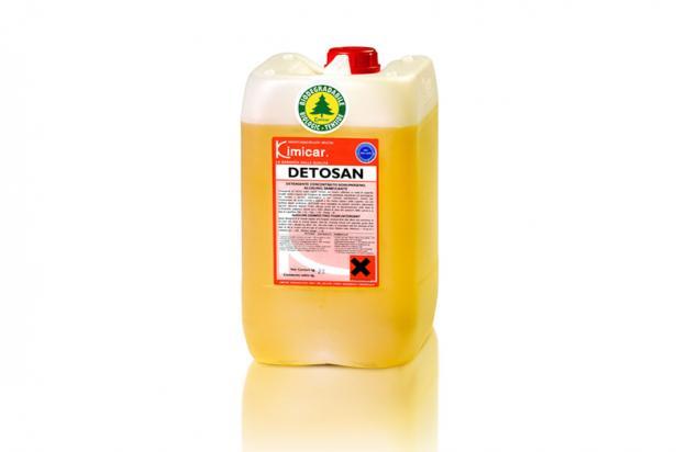 Detergente alimentare schiumogeno, sanificante per la pulizia di interni di cisterne