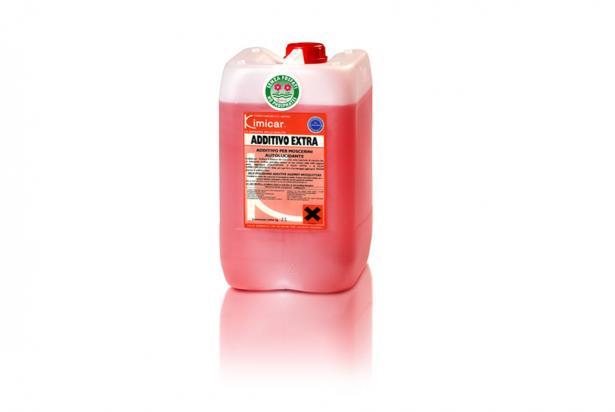 Additivo autolucidante da aggiungere al detergente di prelavaggio per distaccare moscerini