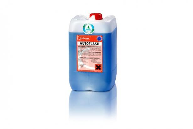 Detergente autolucidante concentrato schiumogeno per il prelavaggio ed il lavaggio