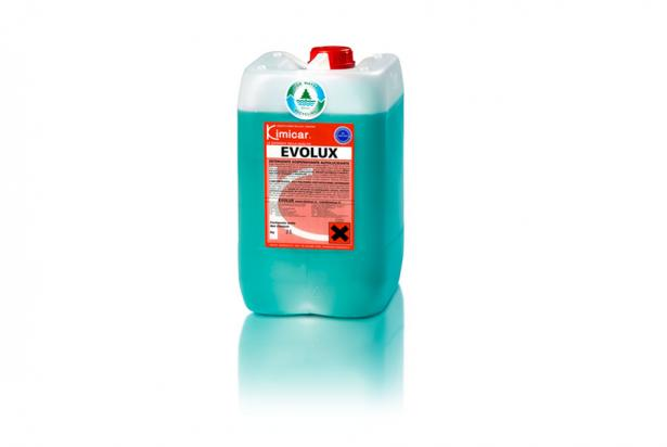 Concentrated detergent, traffic film remover and active foam, with a strong dirt-detaching