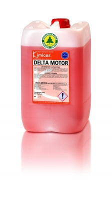 Water-based engine cleaner